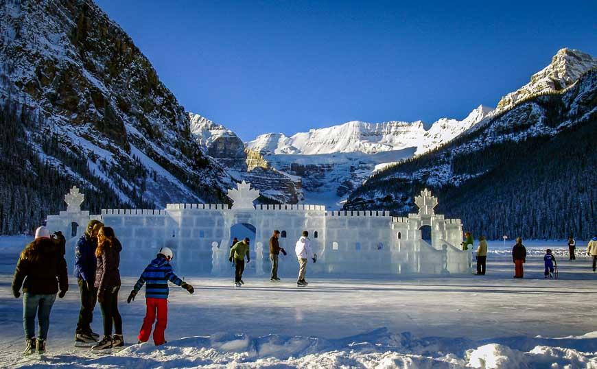 10 ลานสเก็ตน้ำแข็ง ที่งดงามที่สุดในโลก!